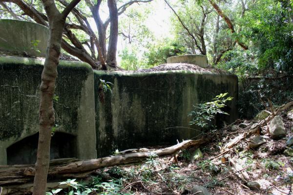 虎島の砲台跡